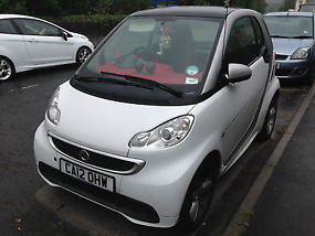 SMART CAR FOR TWO PASSION 2012 12 WHITE 18K ALLOY WHEELS RED INTERIOR SAT NAV