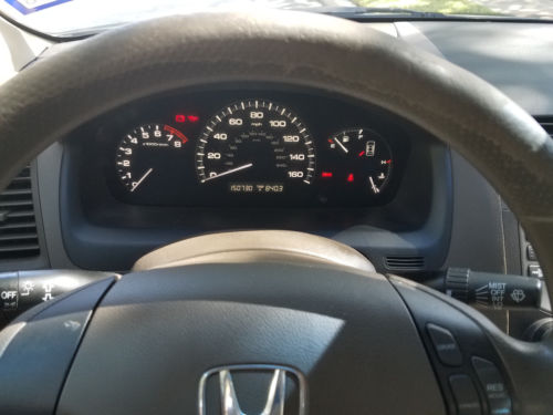 2007 Honda Accord LX with manual transmission. Ice Cold AC. Drives great. image 3