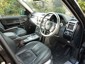 2011 Range Rover Vouge 4.4 TDV8 Automatic Black with black Great spec !!!!!!!!!! image 3