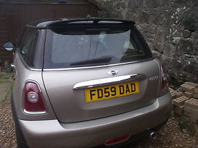 Stunning Mini Cooper 1.6, low mileage, 59 plate, private plate image 2