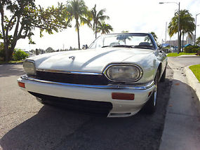 1995 Jaguar XJS Base Convertible 2-Door 4.0L image 3