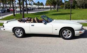 1995 Jaguar XJS Base Convertible 2-Door 4.0L image 8