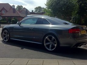 Audi RS5 4.2FSi S Tronic 1 owner  image 6