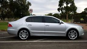 2010 Skoda Superb Ambition Auto image 5