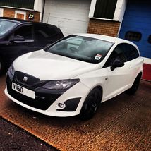 Bocanegra 60 plate - White with Black Alloys - IBIZA CUPRA TSI SA