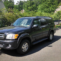 2001 TOYOTA SEQUOIA LIMITED. LOOKS AND DRIVES GREAT! LOADED