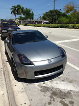 2004 Nissan 350Z Touring Coupe 2-Door 3.5L 6 speed manual image 3