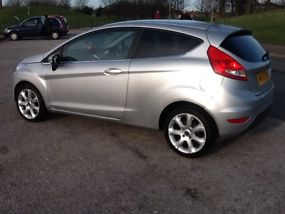 2009 FORD FIESTA ZETEC 82 SILVER image 2