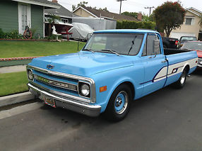 1969 CHEVY C-10 PICK-UP TRUCK, 350/350, LOWERED, CUSTOM BOWTIE GRAPHICS, RAT ROD image 4