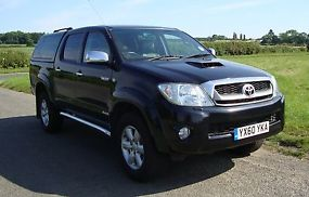 1060 TOYOTA HILUX 3.0 D4D INVINCIBLE DCAB, LEATHER, S.NAV CANOPYTBAR**+ VAT**