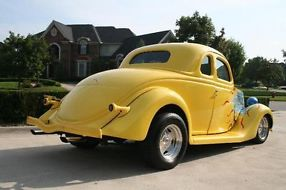 1935 Ford 5-window Coupe image 2
