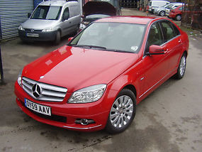 VERY NICE MERCEDES-BENZ C220 LADY OWNER