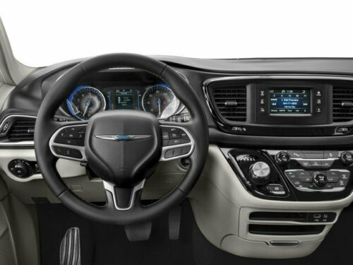 2018 Chrysler Pacifica Touring L Fwd image 5