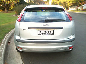 Ford Focus LS (2006) 5D Hatchback Automatic (2L - Multi Point F/INJ) 5 Seats image 3