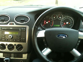 Ford Focus LS (2006) 5D Hatchback Automatic (2L - Multi Point F/INJ) 5 Seats image 7