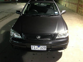 Holden Astra CD (2001) 5D Hatchback 4 SP Automatic image 2