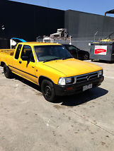 Toyota Hilux SR5 (1994) X Cab P/Up 4 SP Automatic (2.4L - Carb)