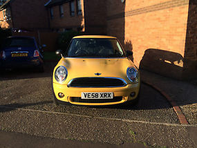 2009 MINI ONE YELLOW Mint Condition image 1