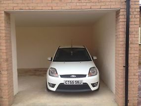 Ford fiesta St image 2