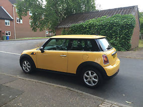 2009 MINI ONE YELLOW Mint Condition image 4
