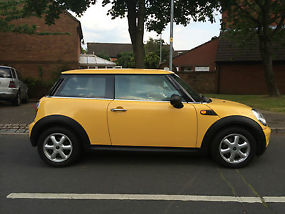 2009 MINI ONE YELLOW Mint Condition image 5