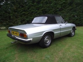 Alfa Romeo Spider Classic Veloce 2.0, summer convertible head turner!