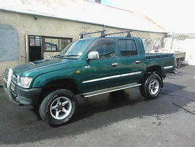 1998 TOYOTA HILUX 2.4 TURBO-D4WD GREEN
