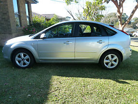 Ford Focus LX (2006) 5D Hatchback 4 SP Automatic (2L - Multi Point F/INJ) 5... image 2