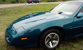 1992 Pontiac Firebird Base Coupe 2-Door 3.1L- Teal image 1