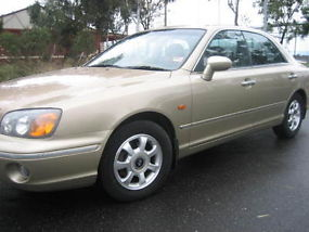 2001 Hyundai Grandeur 4D Sedan 5 SP Sequential Auto (3L - Multi Point... image 2