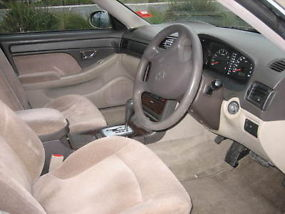 2001 Hyundai Grandeur 4D Sedan 5 SP Sequential Auto (3L - Multi Point... image 6