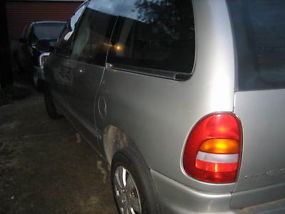 1997 Chrysler Voyager 8 seater Automatic image 4