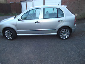 SKODA FABIA VRS DIESEL LATE 2004 (NOVEMBER) VERY LOW MILEAGE image 4