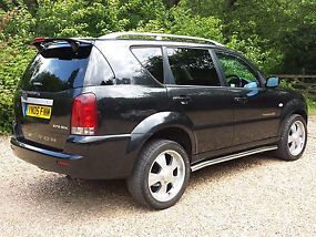 Ssangyong Rexton RX270 SX5 2.7TDAuto black image 3