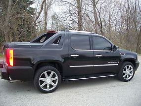 2007 Cadillac Escalade EXT Crew Cab Pickup 4-Door 6.2L - Immaculate