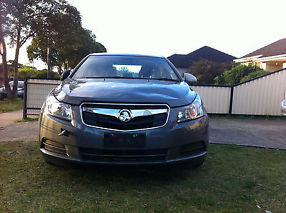 Damged Holden Cruze 2010 CD image 1
