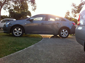 Damged Holden Cruze 2010 CD image 3