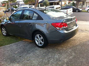 Damged Holden Cruze 2010 CD image 4