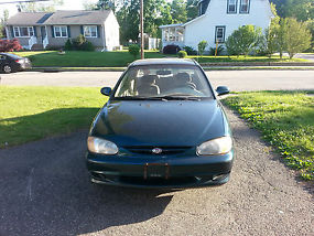 2001 kia sephia base sedan 4 door 1 8l good condition. Black Bedroom Furniture Sets. Home Design Ideas