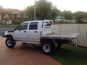 Toyota Hilux Dual Cab Chassis 4x4 Ln106 1990