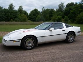 1987 Chevrolet Corvette Base Hatchback 2-Door 5.7L
