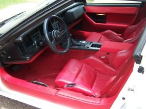 1987 Chevrolet Corvette Base Hatchback 2-Door 5.7L image 5