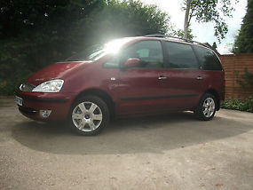 2004 Ford Galaxy Ghia ***Low Mileage*** DVD player, Cycle Rack, Roof Box. image 2