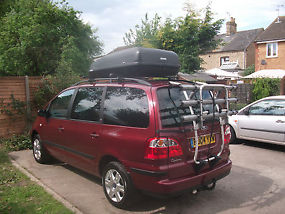 2004 Ford Galaxy Ghia ***Low Mileage*** DVD player, Cycle Rack, Roof Box. image 4