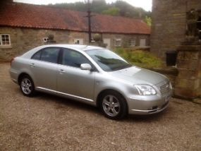2004 TOYOTA AVENSIS T3-X D-4D SILVER