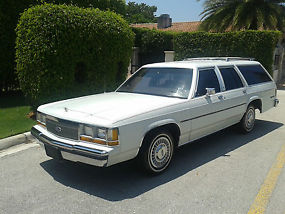 1989 Ford LTD Crown Victoria LX Wagon 4-Door 5.0L RUNS AND LOOKS FANTASTIC LOOK image 2