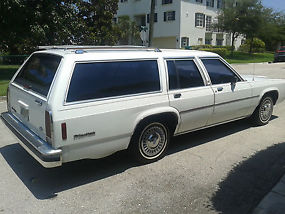 1989 Ford LTD Crown Victoria LX Wagon 4-Door 5.0L RUNS AND LOOKS FANTASTIC LOOK image 6