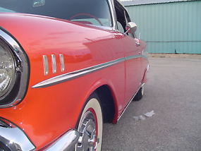Chevrolet : Bel Air/150/210 Convertible image 8