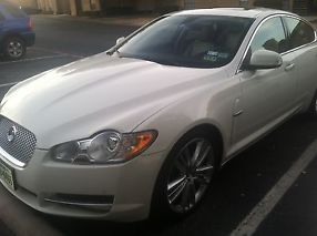 2009 Jaguar XF Premium Luxury Sedan 4-Door 4.2L image 3