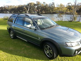 Holden Adventra LX8 (2005) 4D Wagon 4 SP Automatic (5.7L - Multi Point F/INJ)...